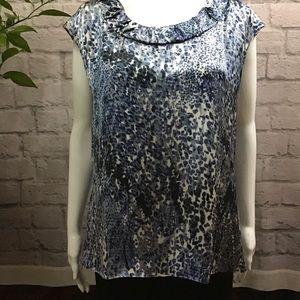 🌻 SALE! 3/$20 Anne Klein blue white large top